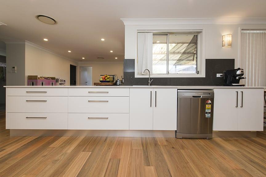 3-DOVE-PLACE-HINCHINBROOK_PBJ4094_kitchen_low-res