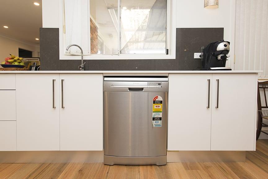 3-DOVE-PLACE-HINCHINBROOK_PBJ4104_kitchen_low-res